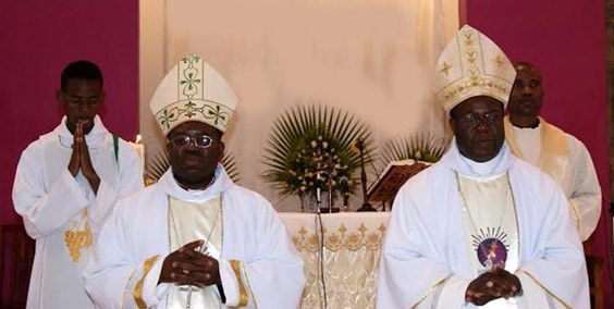 Zambian Bishops Patrick Chisanga, OFM Conv. (R) with Evans Chinyemba OMI (l) copie