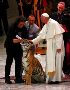 Newsletter South Africa No. 64 June 2016 Circus people introduced their tiger to Pope Francis